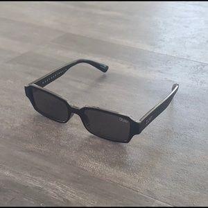 Black strange love quay sunglasses